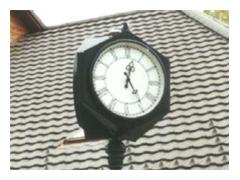 Třístranné venkovní hodiny AVT60