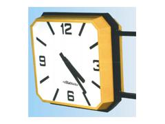 Čtvercové venkovní hodiny typ CV